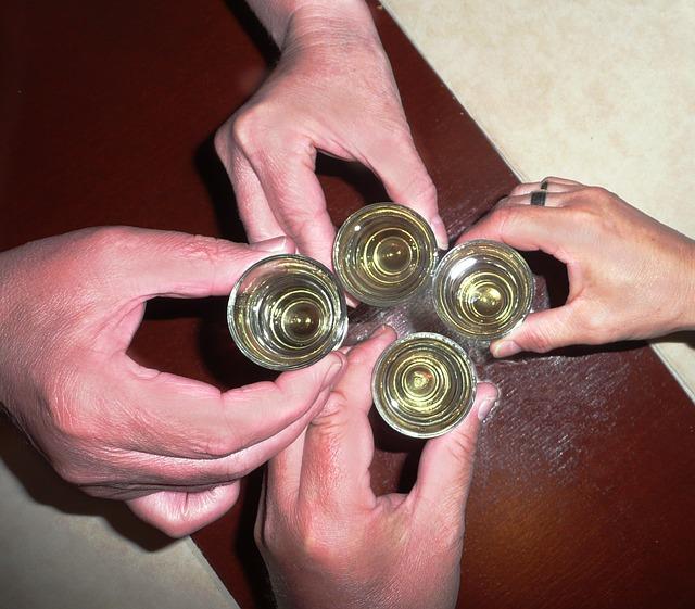 Schnaps trinken