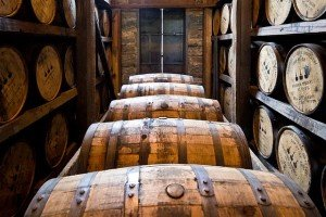 Whisky brennen Fässer